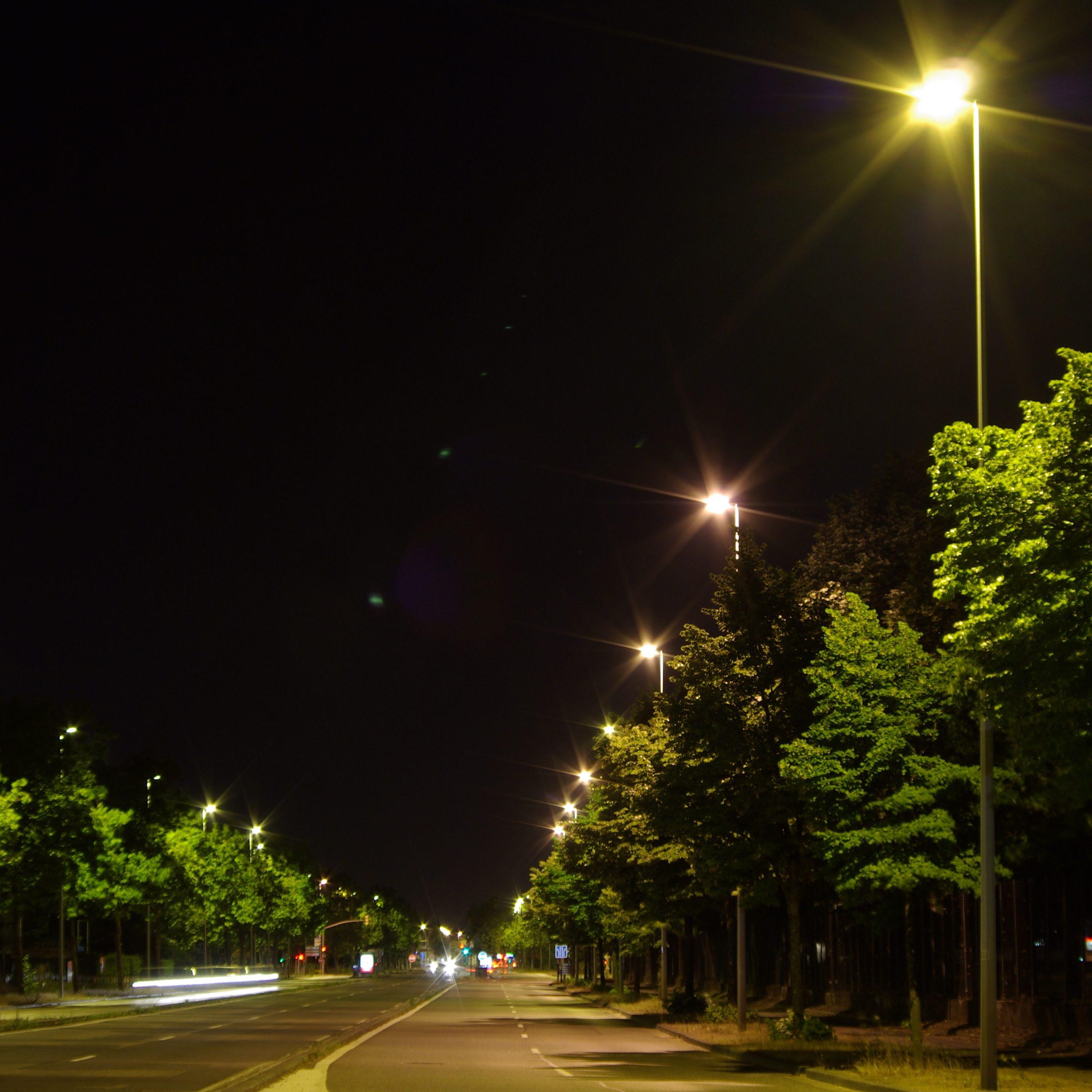 Avenue de l'Europe à St Priest de nuit télégérés par contrôleurs Citylone